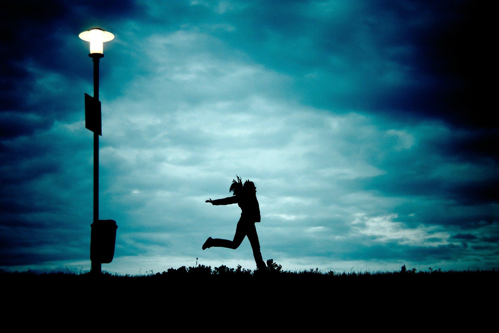 難しい 夜 に 駆ける